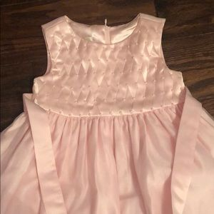 Girls 4T pink dress with pearl accents